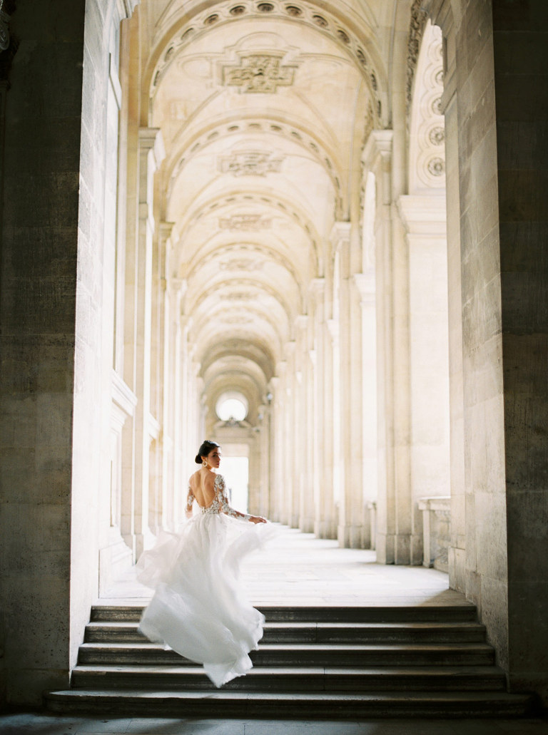 Paris wedding photographer, Louvre